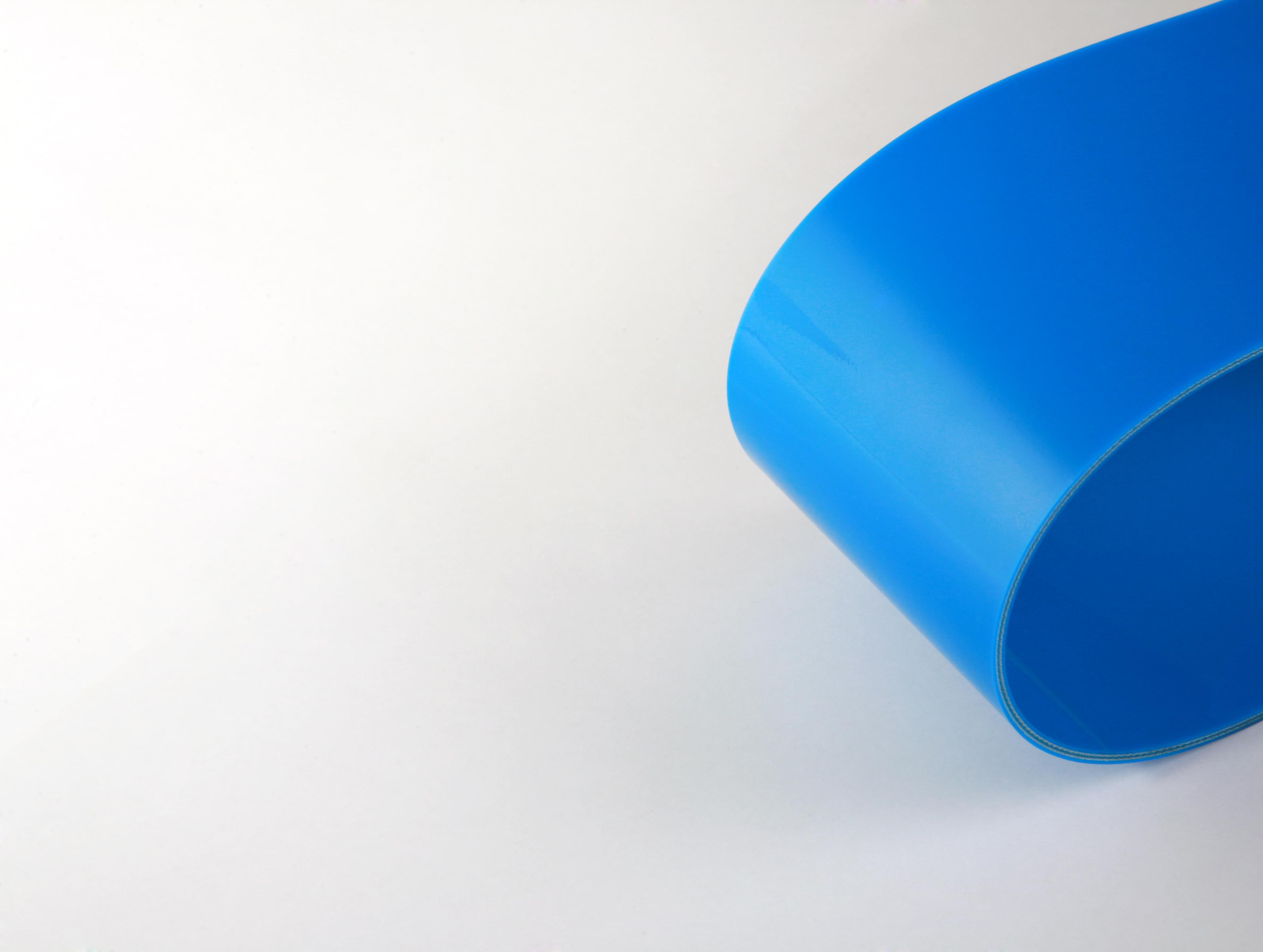 correia sanitária de duas lonas em PVC azul com cobertura dupla face